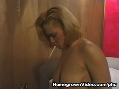 Samantha Acquires Delightsome For Some Hard Strapon