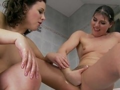 Hot bath with amazing babes Agata and Hadjara