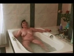 Germany big beautiful woman Masturbate In BathTub