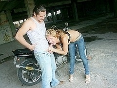 Pleasure golden-haired hotty liked public fuck