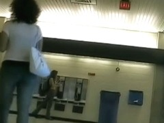 Candid cam video of some nice asses in tight jeans
