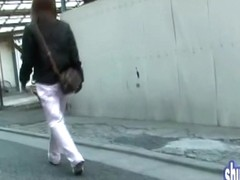 Fast street sharking encounter with petite babe and creative lad