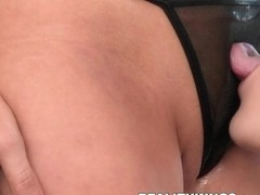 WeLiveTogether - Fun and flirty