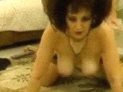 Busty MILF exposes her new partners in the webcam porn show
