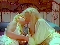 golden-haired making out