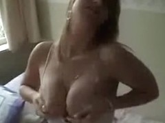 Girlfriend With Hot Tits Gives Sweet Blowjob