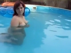 Pretty chubby redhair wife make a swiming pool hell of a blowjob sunday evening