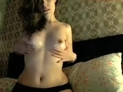 Model does sexy oil tease show for webcam