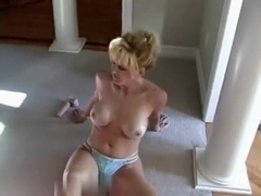 Blond mother I'd like to fuck gives oral-job