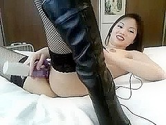 Japanese hot woman uses vibrator
