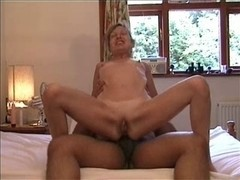Hawt older lady on top - muff and anal
