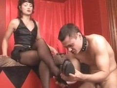 Under-Feet Video: Goddess Margo