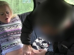 Blonde sucks and fucks in steamy taxi