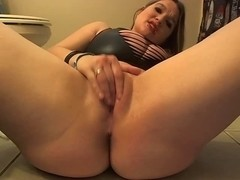 Hawt Whore Farting & Filthy Talking On Webcam!