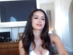 Lustful Cam Babe Loves Masturbation Show