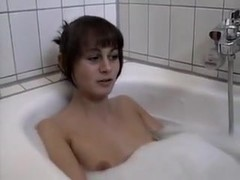 Nessi and Marco in bathtub