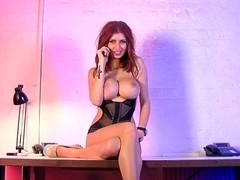 Hot Lilly Roma phonesex cutie