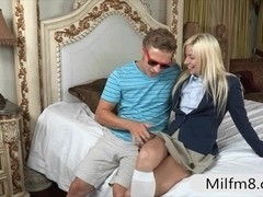 Jessie Volt anal fucked with her stepmom in the bedroom