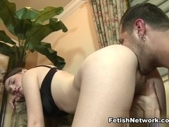 Daisy Tanks Does Some Extreme Ballbusting