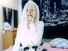 foxyjanie livecam movie on 2/2/15 12:23 from chaturbate