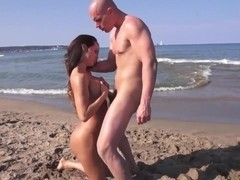 LECHE 69 Franceska Jaimes squirting on a public beach