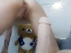 Brunette Daydreamcutie fucks and massages her pussy