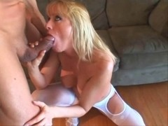 GOLDEN-HAIRED COUGAR
