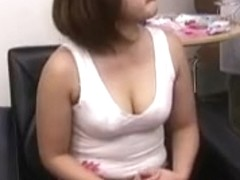 Japanese lady gets fooled in beaty saloon
