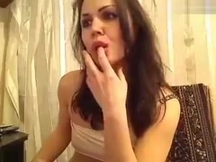 Cutie Missforkiss fondles her pussy and ass