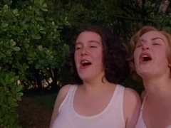 Kate Winslet,Melanie Lynskey in Heavenly Creatures (1994)
