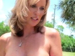 Stunning milf with huge boobies gets pounded in the car