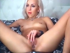 Arina_: blonde fondles her pussy