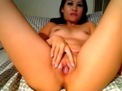 Asian show us her pussy