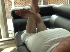 Dirty-mouthed geekgirl teases cock and gets a facial