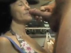 Granny blowjob in kitchen