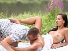 DaringSex Outdoor Doggystyle with Sensual Brunette