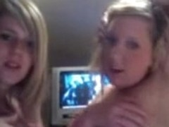Two sexy babes exposing their delightful bodies on webcam