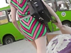Seductiveupskirt pussy of woman in tight skirt