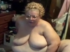Disgusting SSBBW nerd pleases her own stinky trench