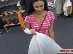 Amateur chick pawns her pussy and banged at the pawnshop