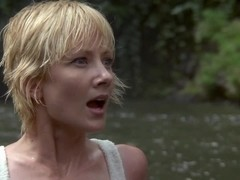 Anne Heche,Jacqueline Obradors in Six Days Seven Nights (1998)