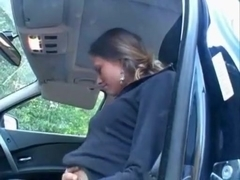 Solo beauty disrobes and masturbates in her car