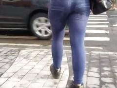 Fast moving and smoking girl s ass