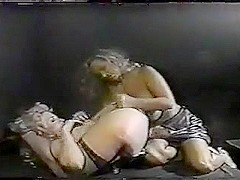 Chessie Moore lesbo action