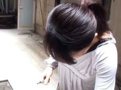 Amateur down blouse video features a beautiful Asian girl.