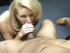 Prick Pumping Whore Gives Knob A Job