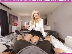 VRBangers.com Sexy MILF Brandi Love Is Sticking a Big Vibrator in Her Wet Pink Pussy