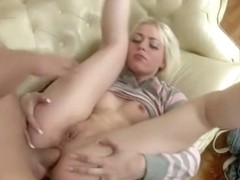 Chick exposes anal hole for fuck