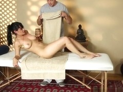 Charley Chase & Romeo Price in Undercover Masseuse Video