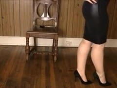 Shiney petticoat, heels nylons and leg play!
